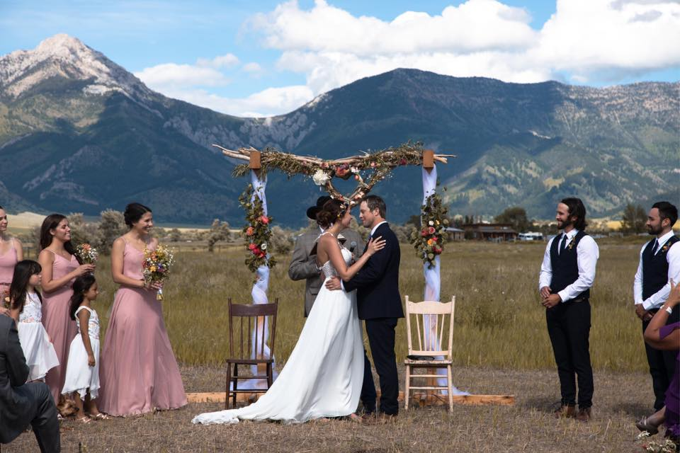 Montana outdoor wedding ceremony
